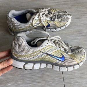 Nike zoom running shoes sneakers